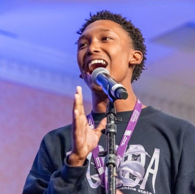 2019 ANHE mixed choir rehearsal male singer