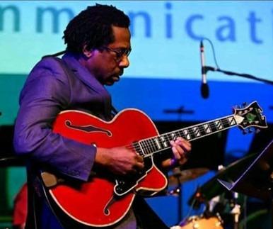 jazz guitarist Will Matthews playing guitar