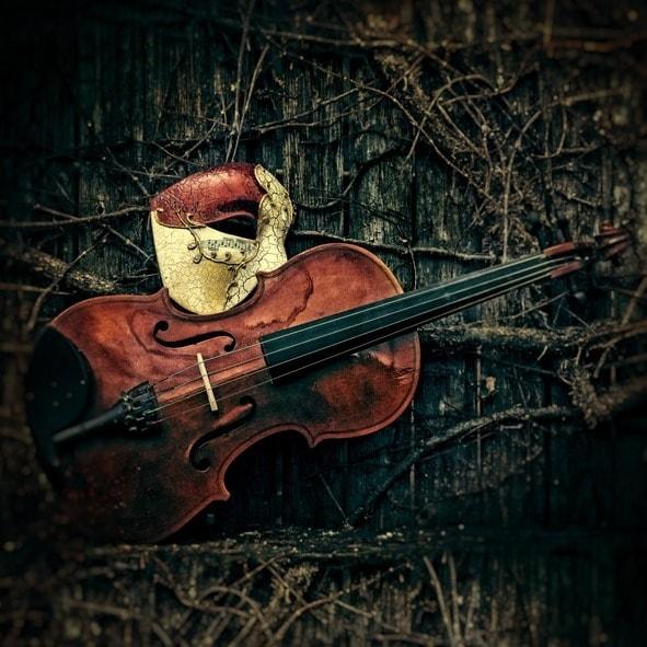 Masquerade - Phantom of the Opera Mask with Violin